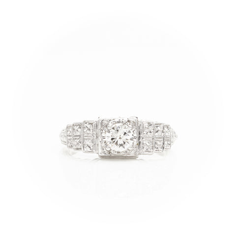 Diamonds in Art Deco White Gold Filigree Ring