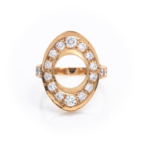 Diamonds in Yellow Gold Oval Ring