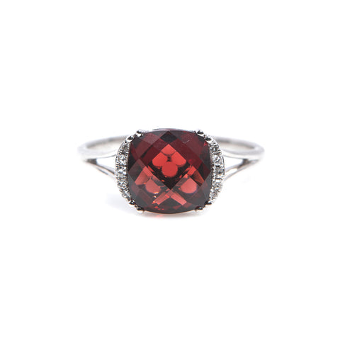 Garnet and Diamonds in White Gold Ring - Sindur