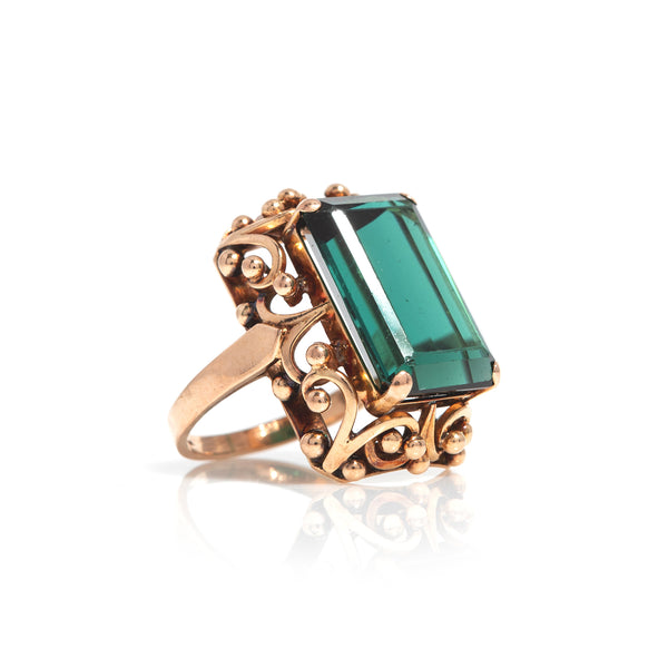 Green Tourmaline in Yellow Gold Ring - Sindur