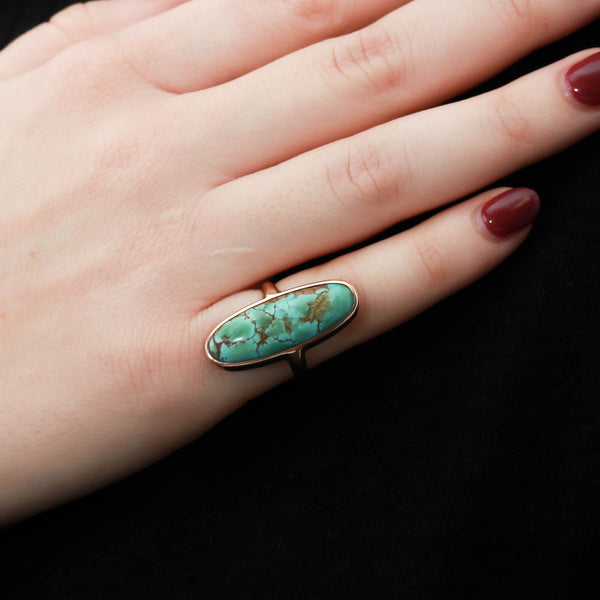 Turquoise Cabachon in Yellow Gold Ring - Sindur
