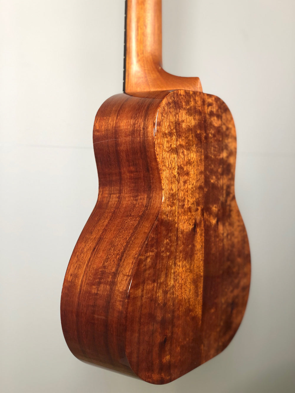 Kanile'a GL6 Deluxe Solid Koa 6 String Guitarlele - Demi's Dream