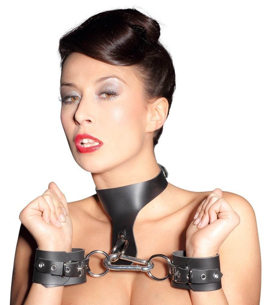 Zado Leather Bondage Set, authentic snap hook & ajustable.