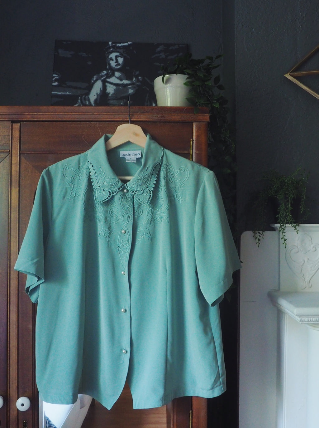80s Soft Green Detailed Blouse