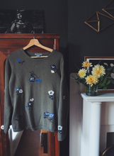 Load image into Gallery viewer, 90s Floral Sweater