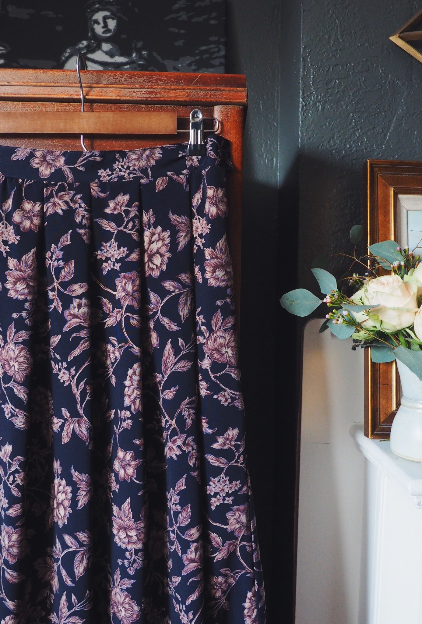 Vintage Navy Floral Pleated Midi