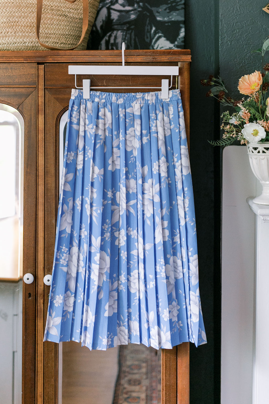 Made in the USA Vintage Blue Floral Pleated Midi Skirt