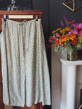 Load image into Gallery viewer, Vintage Floral Button Front Midi Skirt