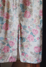 Load image into Gallery viewer, Vintage Floral Denim Pencil Skirt