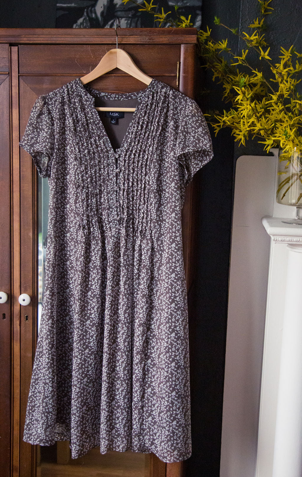 Brown Floral Short-Sleeve Dress