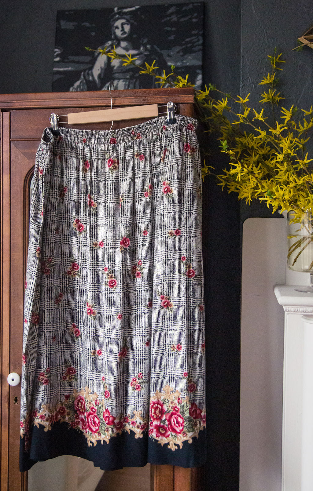 Vintage Plus Size Black Floral Midi Skirt