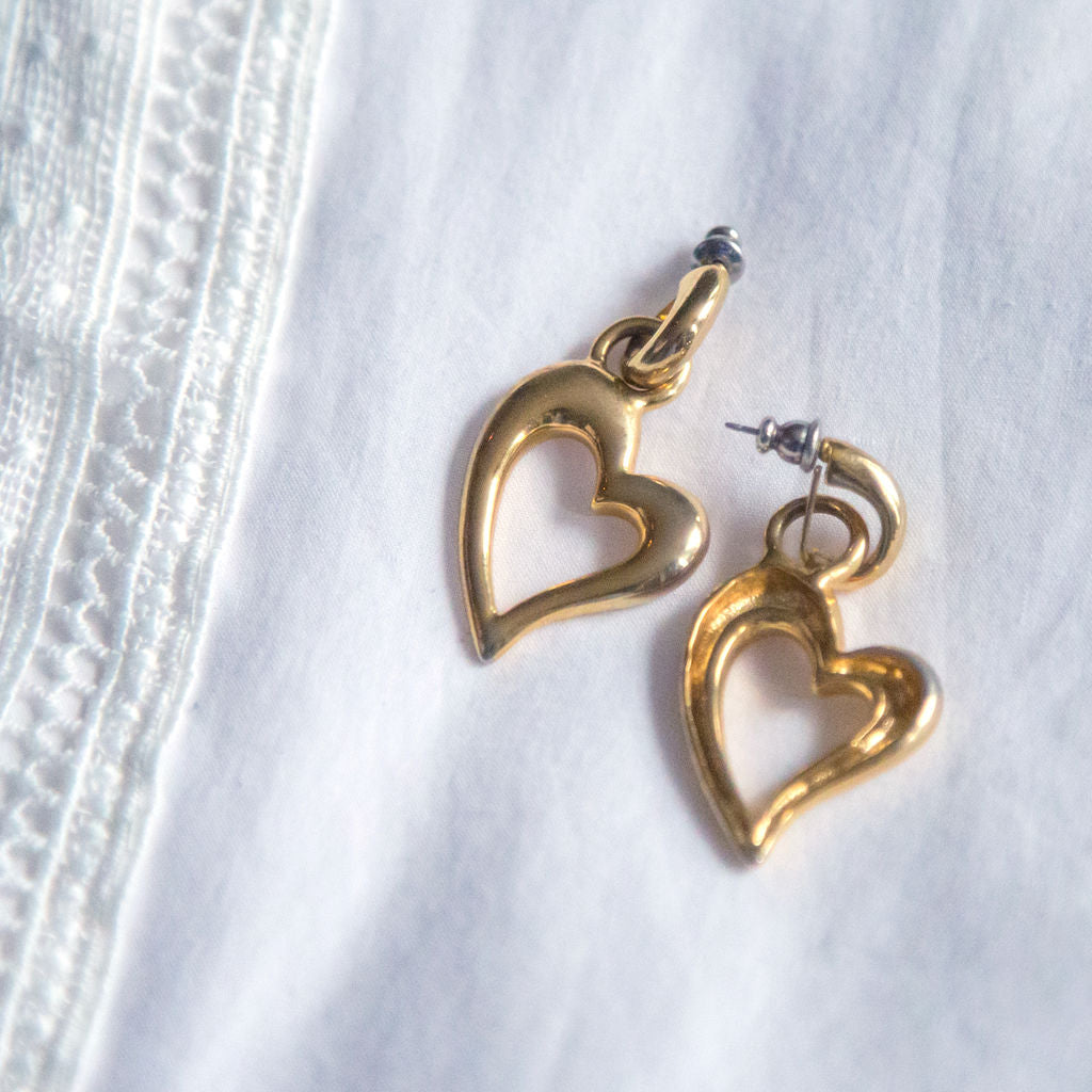 Vintage 90s Dangly Heart Earrings