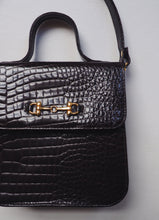 Load image into Gallery viewer, Vintage Faux Alligator Purse