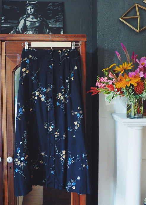 Vintage Dark Floral Button Front Skirt