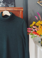 Load image into Gallery viewer, Vintage Cotton Turtleneck
