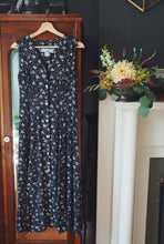Load image into Gallery viewer, Vintage Dark Floral Midi Dress