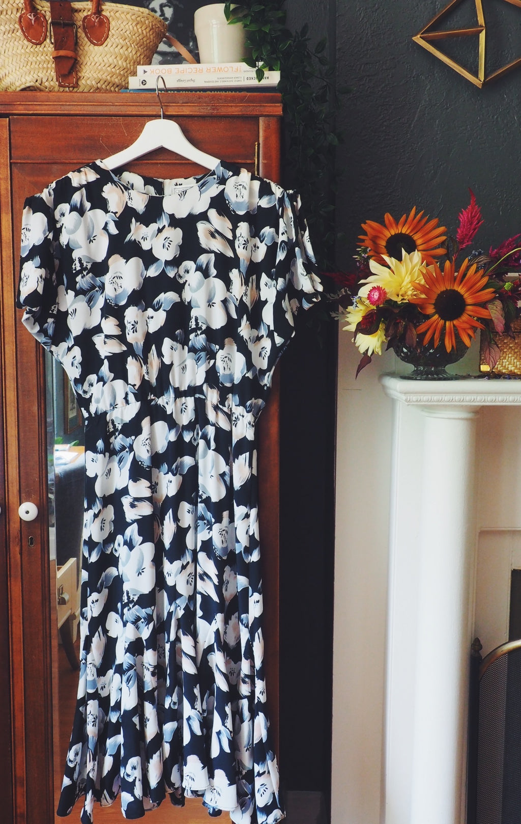 Vintage Black Floral Short-Sleeve Midi Dress