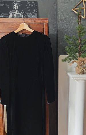 Vintage Velvet Long Sleeve Cocktail Dress