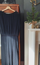 Load image into Gallery viewer, Anthropologie/Bordeaux Accordion Pleat Midi Dress