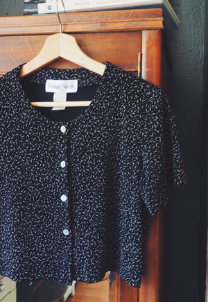 90s Cropped Button Front Black Top