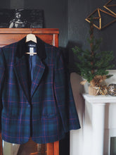 Load image into Gallery viewer, Vintage Plaid Blazer with Velvet Collar