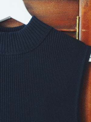 Vintage Black Ribbed Sleeveless Mockneck