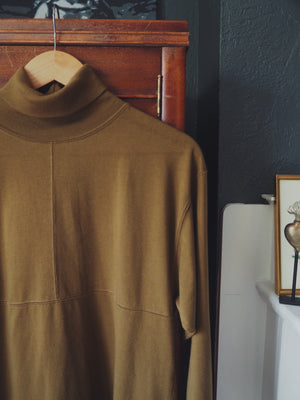 80s Boxy Long-Sleeve Turtleneck