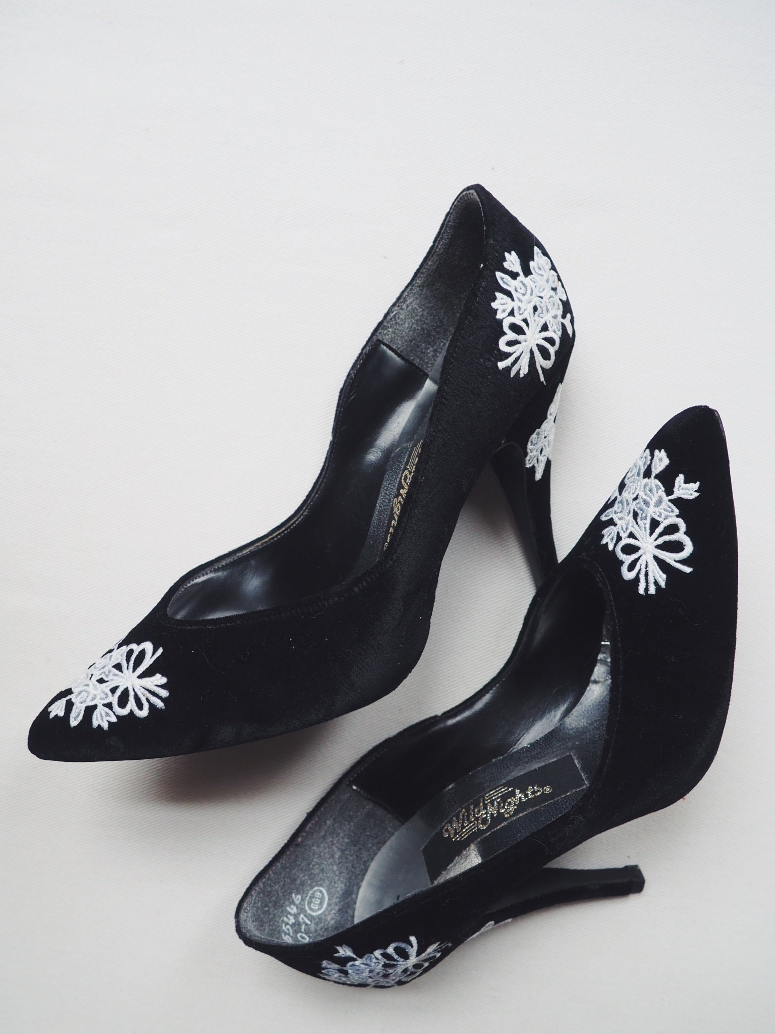 Vintage Velvet Lace Pumps