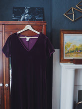 Load image into Gallery viewer, Purple Velvet Short Sleeve Maxi