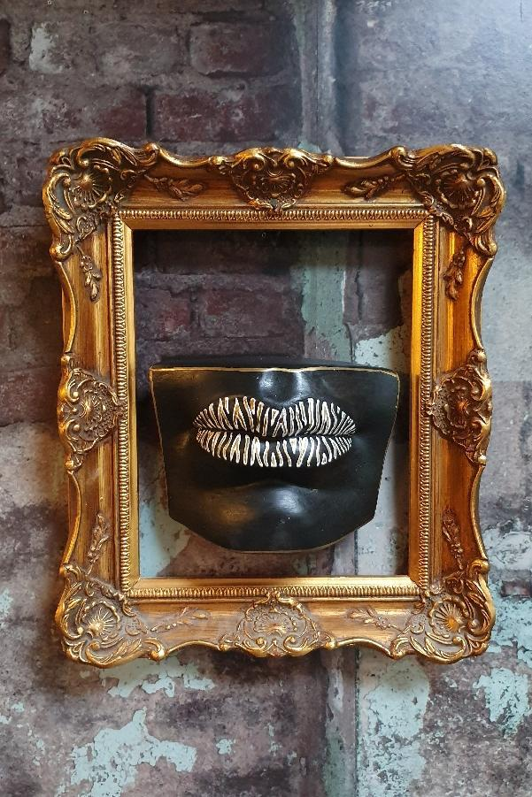 'Pauline' Wall Mounted Lips Wall Decor/Shelf