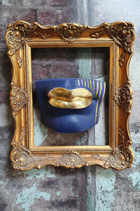 Blue gold wall mounted lips