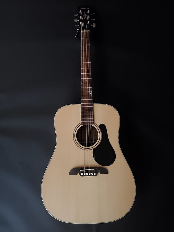 Alvarez RD26S-AGP Natural acoustic guitar