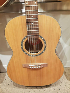 Norman Studio ST40 Folk Natural acoustic guitar