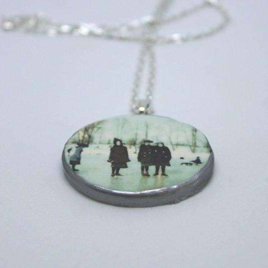 Necklace - ice skaters - Bay Leaf Door