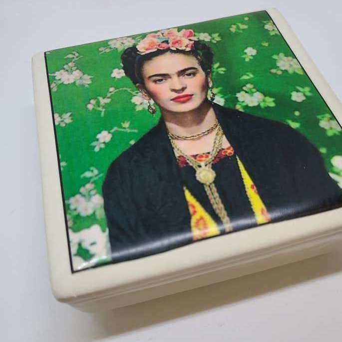 Ceramic Jewelry Box - Frida - green - Bay Leaf Door