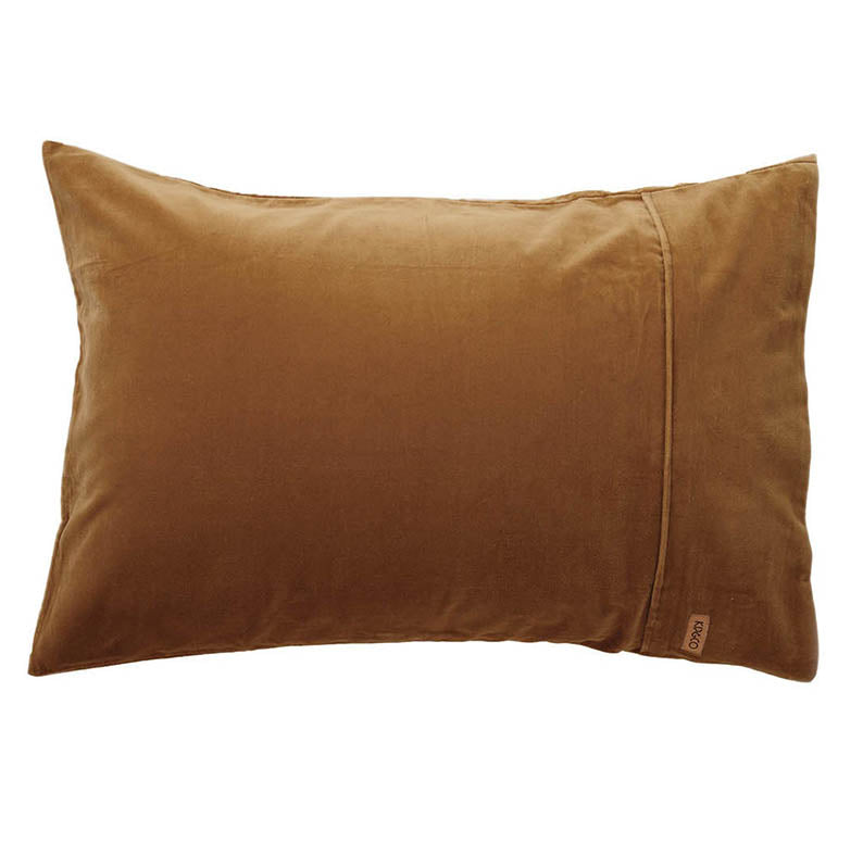 Scorched Almond Velvet Pillowcase Set