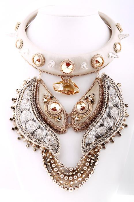 ISHTA COLLIER NECKLACE