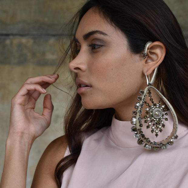 SAMANTHA SINGLE STATEMENT EARRING