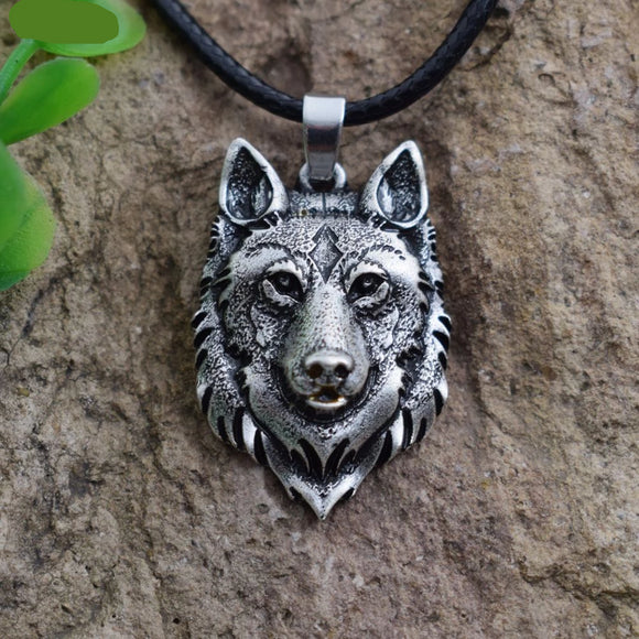 Norse Viking Amulet | Wolf's Head Necklace | Animal Power | Pendants