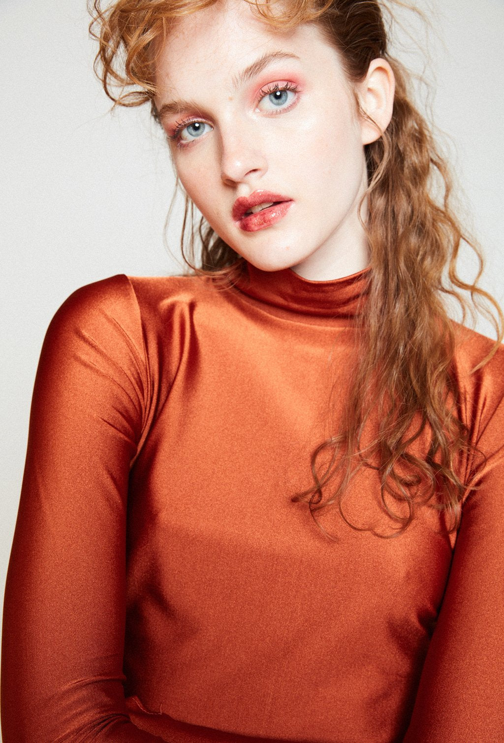 MARITA COPPER TURTLENECK