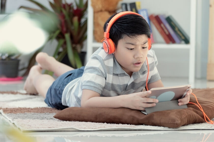 Helping Tweens and Teens Balance Screen Time During COVID