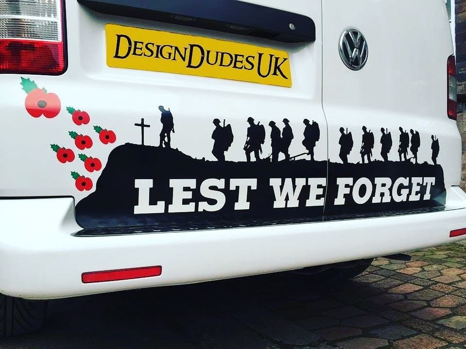 Lest we forget - vinyl sticker (without poppies)