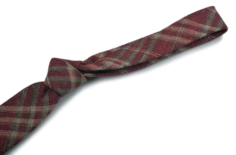 EThomas Burgundy Checks Tie