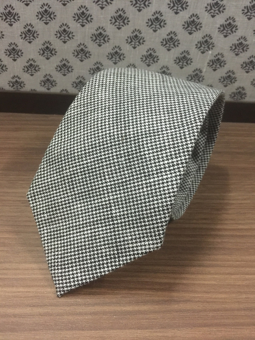 Linen Tie: Black White Houndstooth (452532920)
