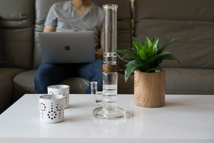 Why do People Use Bongs? | VITAE Glass