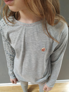 Long sleeve t-shirt with embodery (gray)