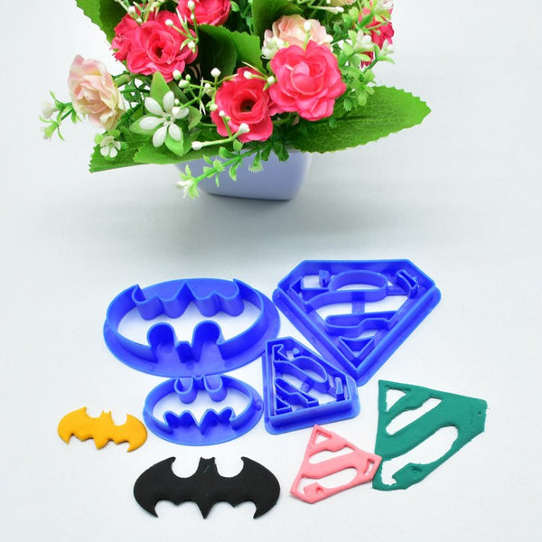 4Pcs/set Super Hero Batman And Superman Fondant Cake Decorating Sugar Cookie Biscuit Cutter Pastry Bakeware Decoration Tools