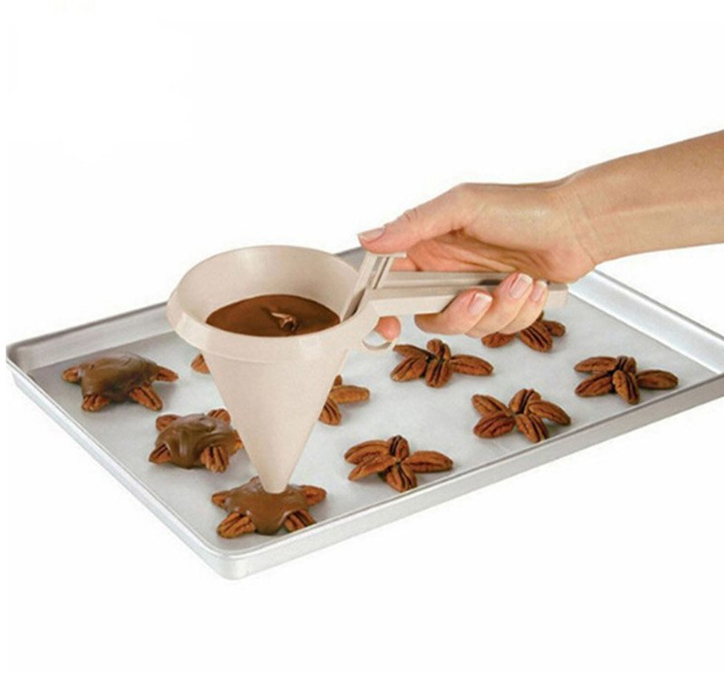 Adjustable Icing Chocolate Kitchen Funnel