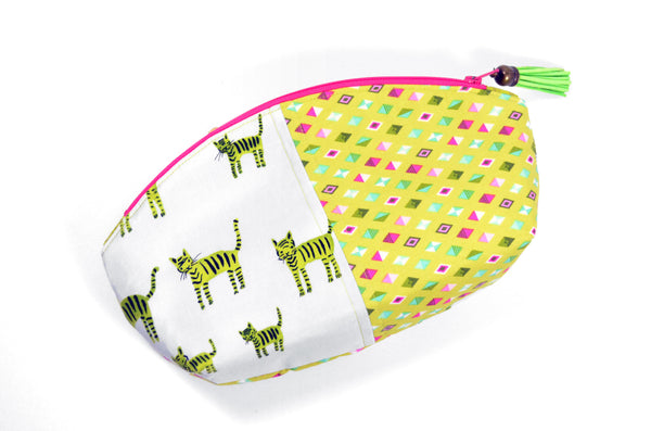 Green Kitty Curved Pouch