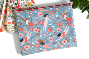 Large Pouch - Flower Bath